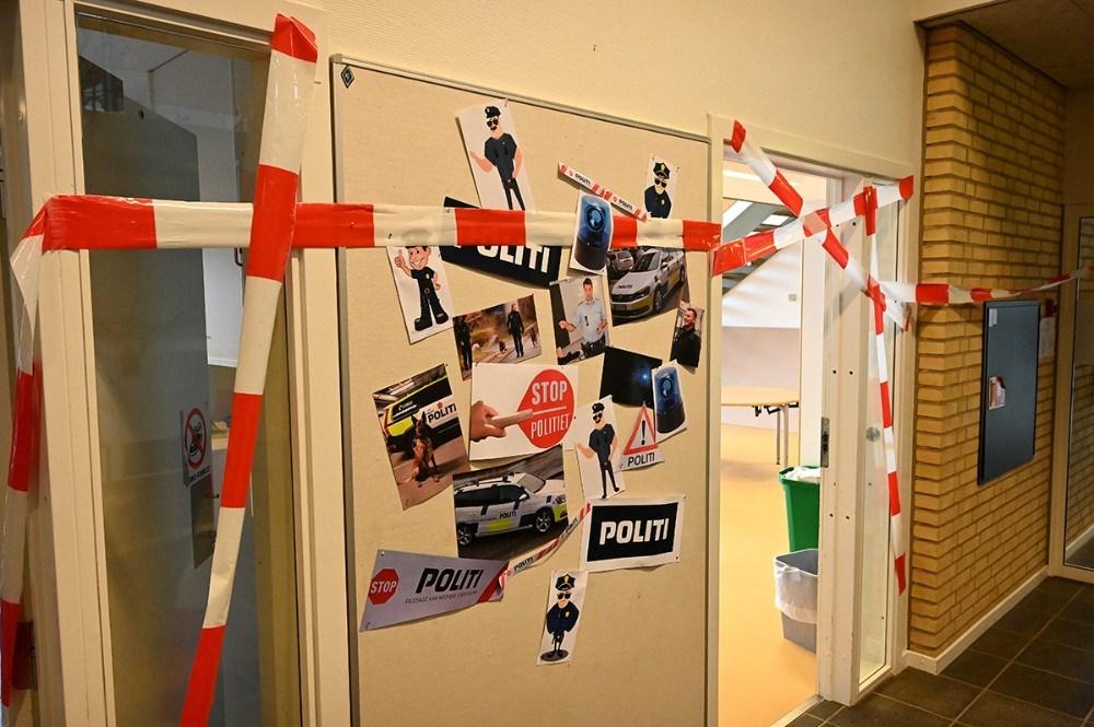 Eleverne er blevet undervist i politiets arbejde. Foto: Jens Nielsen