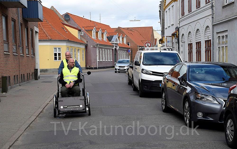 Arne Jensen kører en tur med Gert Rømer Markussen, der også sidder i bestyrelsen i Cykling Uden Alder. Foto: Gitte Korsgaard.