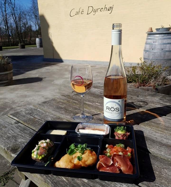 Der er mulighed for masser af lækker mad hele pinsen på Café Dyrehøj på Dyrehøj Vingård på Røsnæs. Privatfoto