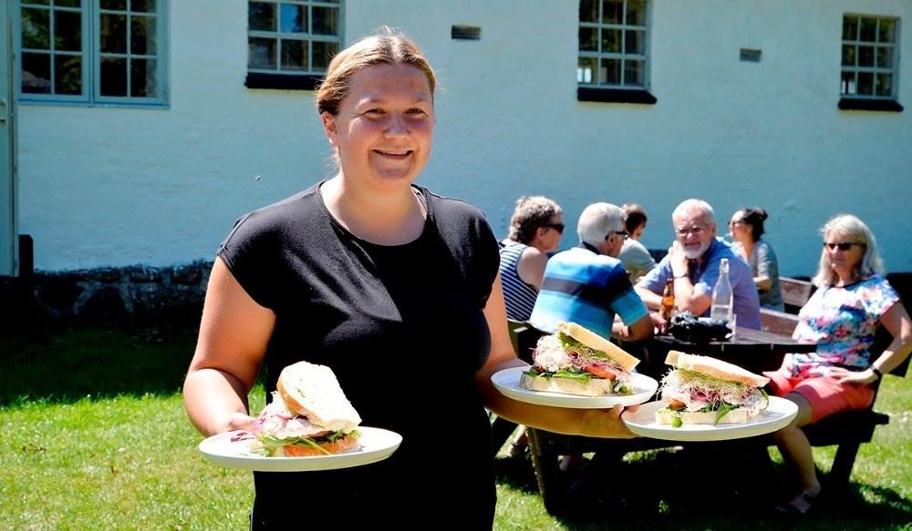 Café Edderfuglen serverer også mad hele pinsen. Arkivfoto: Jens Nielsen