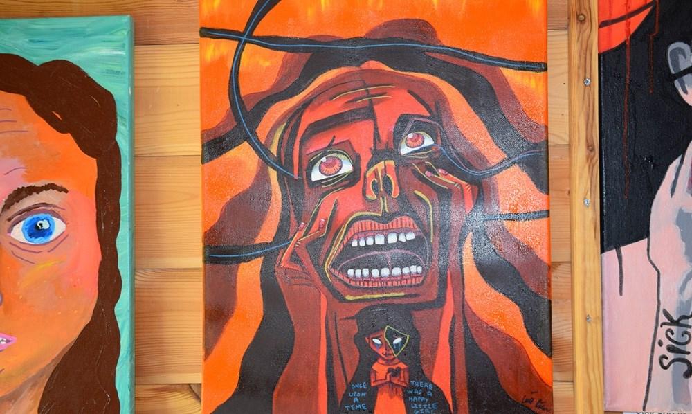 En del af Caia Riemers forsøg på at male sin livshistorie. Foto: Gitte Korsgaard.