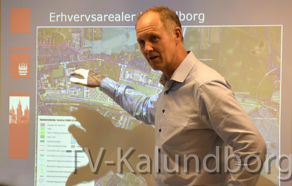 Martin Damm (V) fortæller om infrastruktur i forhold til erhvervsudvikling. Foto: Gitte Korsgaard.