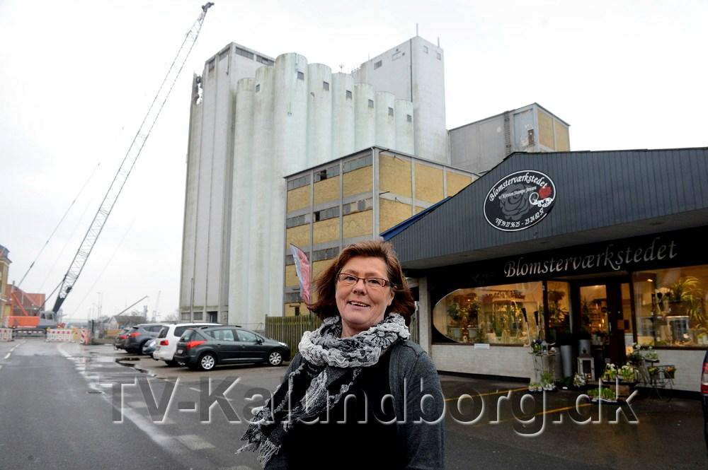 Kirsten Stampe Jensen, Blomsterværkstedet, tilbyder nu ´nedrivningsrabat´. Foto Jens Nielsen