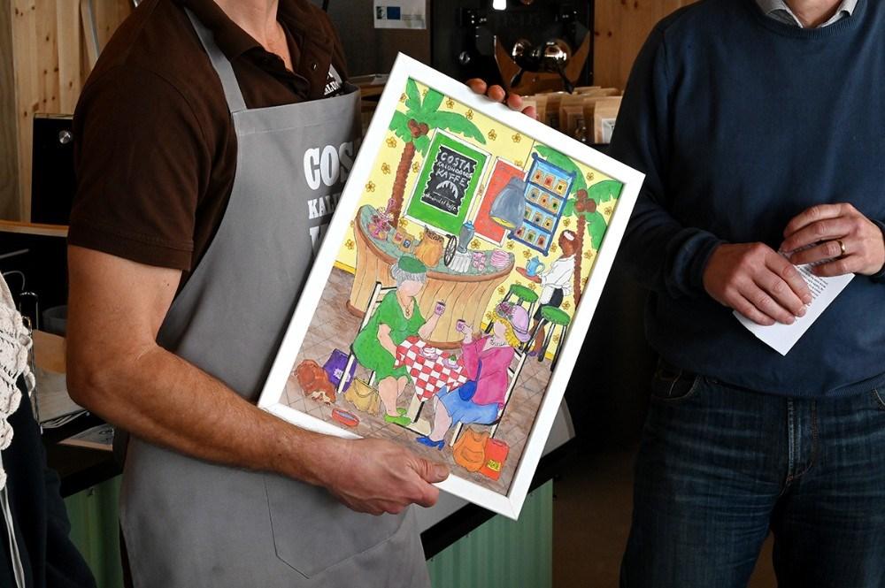 Radikale Venstre uddelte prisen ´Liv i Kalundborg´ tilShaun Gamble fra Café Costa Kalundborg. Foto: Jens Nielsen