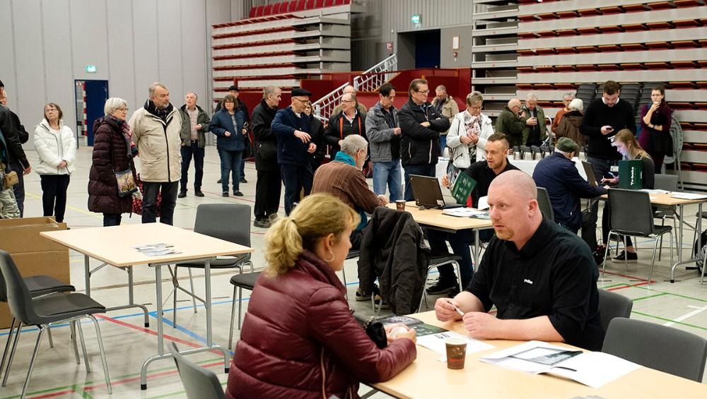 Der var kø for at komme til at snakke med en Yousee medarbejder om bland selv TV-Kanaler. Foto: Jens Nielsen