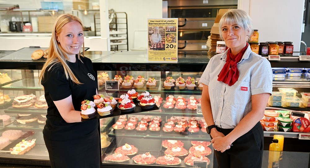 Silke Østfeldt og varehuschef Kirsti Thygesen håber at mange vil støtte op om det gode projekt i denne uge. Foto: Jens Nielsen