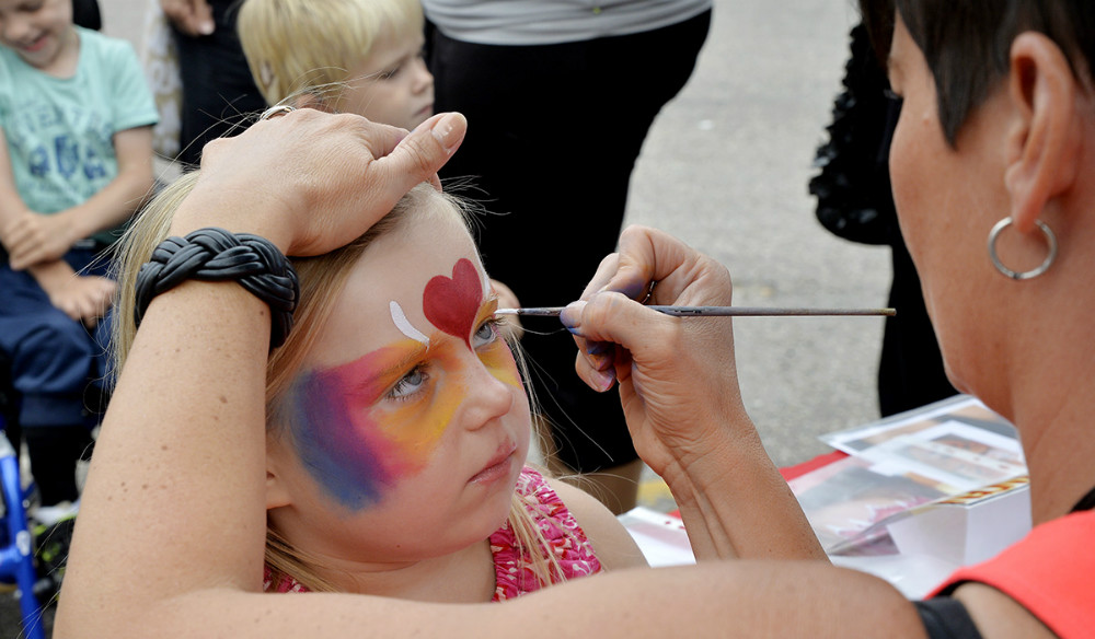 Sminkebanden lavede flotte kreativ ansigtsmaling. Foto: Jens Nielsen