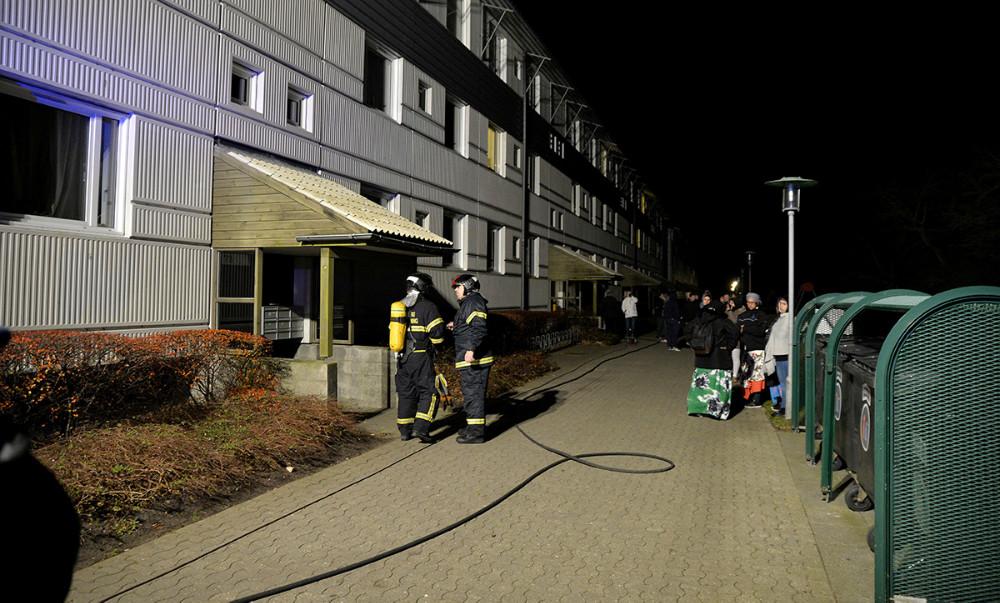 strømmen gik ud til flere lejligheder i forbindelse med branden i kælderen. Foto: Jens Nielsen