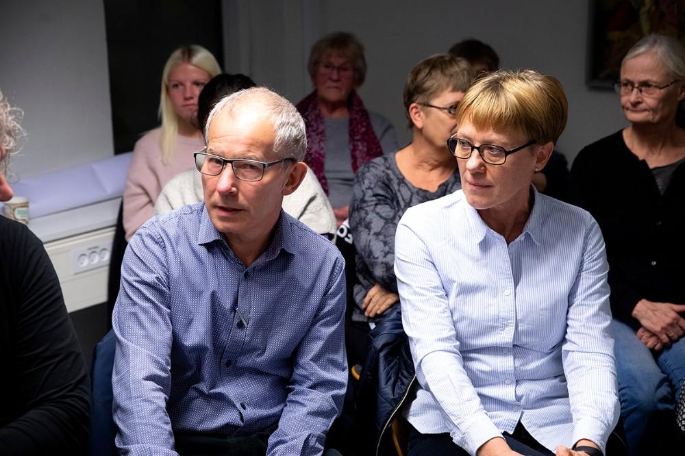 Anne og Niels Overgaard, som kæmper for at få stoppet linjeføringen af en ny vej på Herredsåsen. Foto: Jens Nielsen