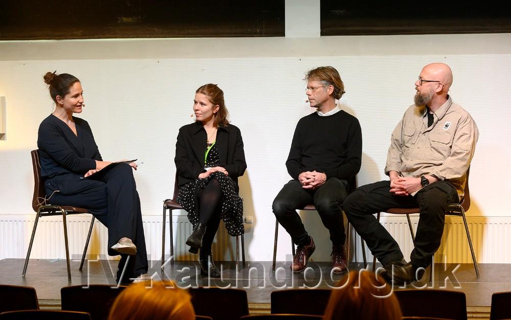 Fra venstre, ordstyrerGertrud Højlund, sammen med panelet bestående afClara Halvorsen,Martin Keller ogThor Hjarsen. Foto: Jens Nielsen