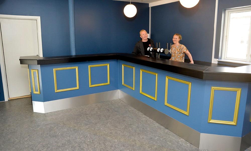 Der er etableret bar på både første og anden sal. Foto: Jens Nielsen