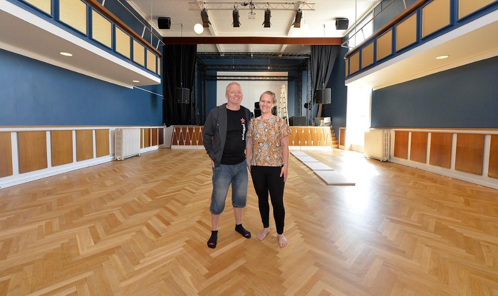 Trine og Morten Nystrup er klar til at åbne Postgaarden for publikum. Foto: Jens Nielsen