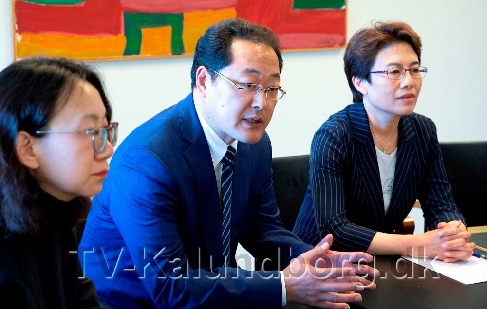Kinesisk delegation i Kalundborg for at forhandle om det tidligere sygehus. Foto: Jens Nielsen