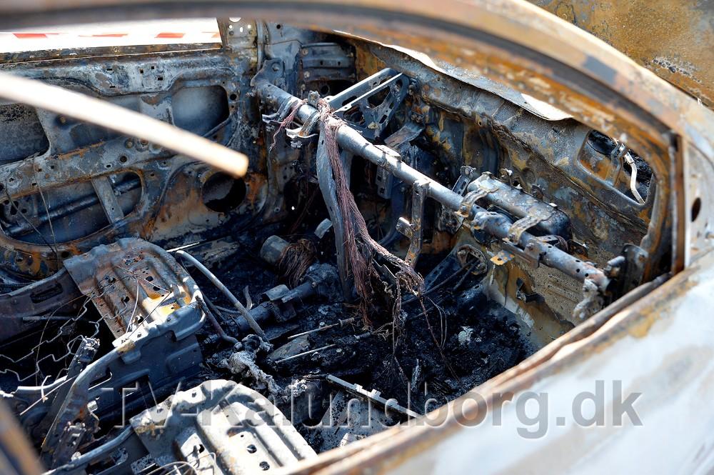 En mindre personbil gik op i flammer i Høng, natten til mandag. Foto: Jens Nielsen