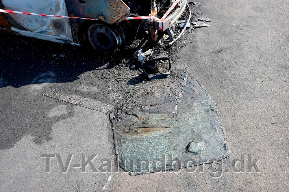 Forruden er skudt ud i forbindelse med eksplosionen. Foto: Jens Nielsen