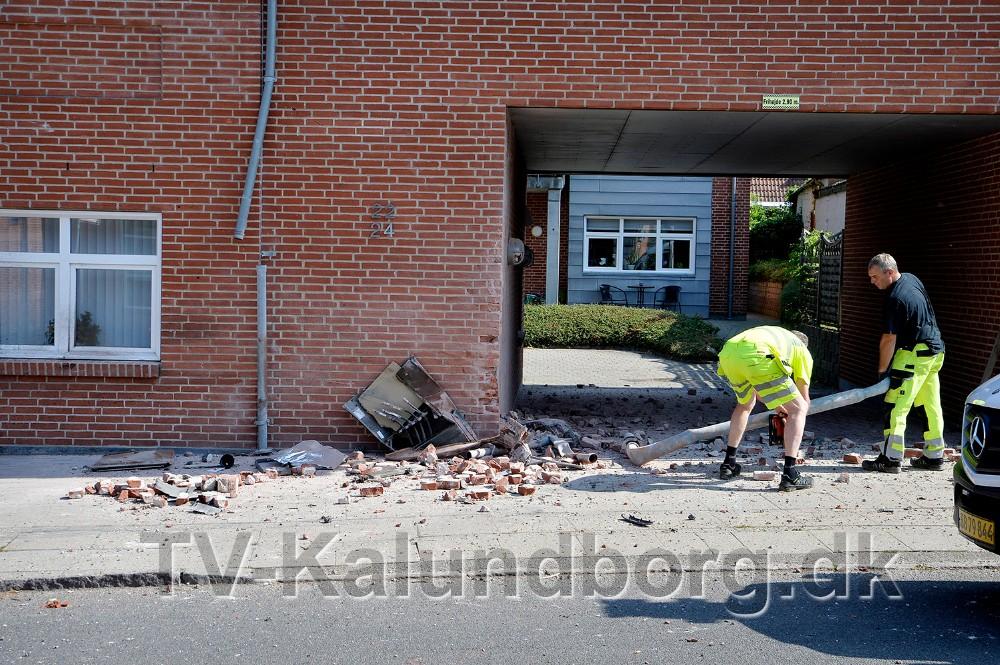 Der skete store skader på beboelsesejendommen på Algade. Foto: Jens Nielsen