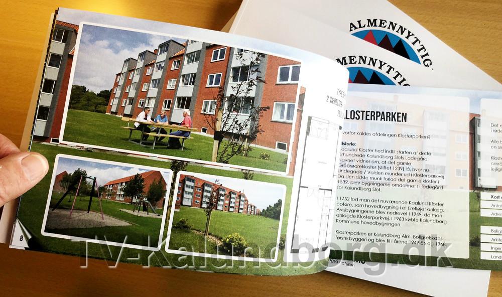 I forbindelse med 70-års jubilæet er der fremstillet et flot jubilæumsskrift om boligselskabets mange afdelinger. Foto: Jens Nielsen