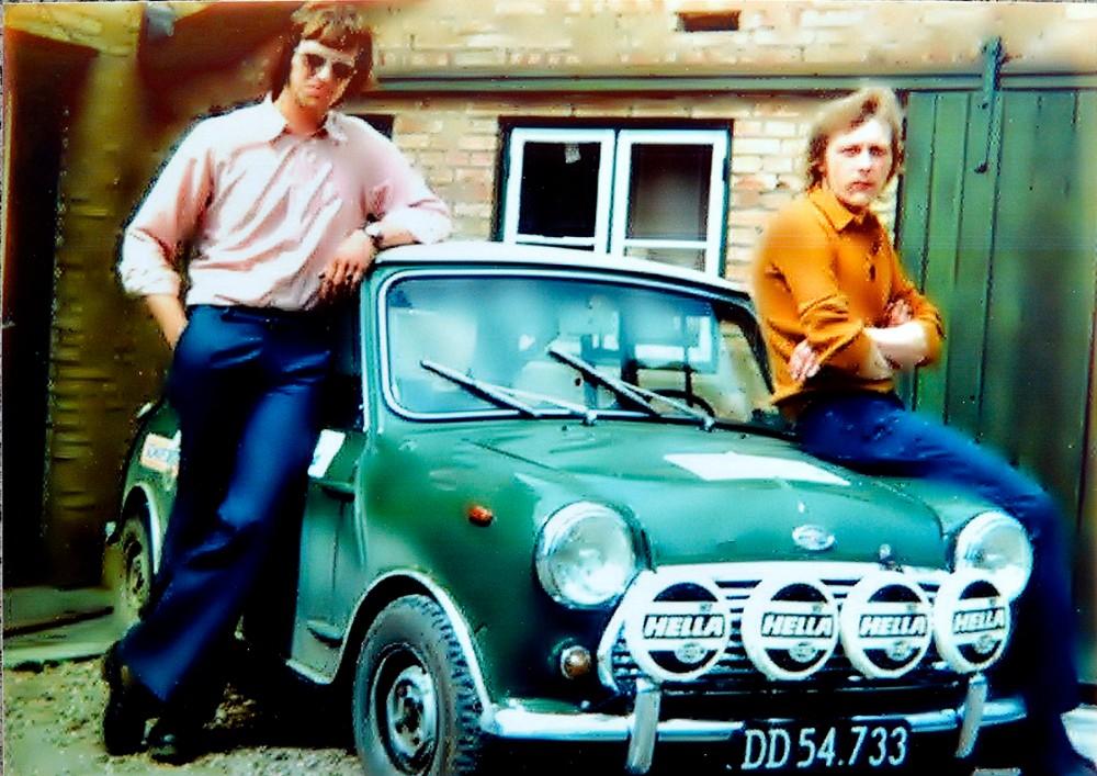 Ole Jensen til venstre, sammen med sin bror Jens Jensen da det hele startede for 50 år siden.
