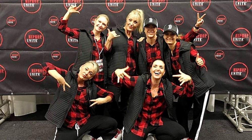 Utopia Dance Crew. Mie nederst til venstre. Privatfoto