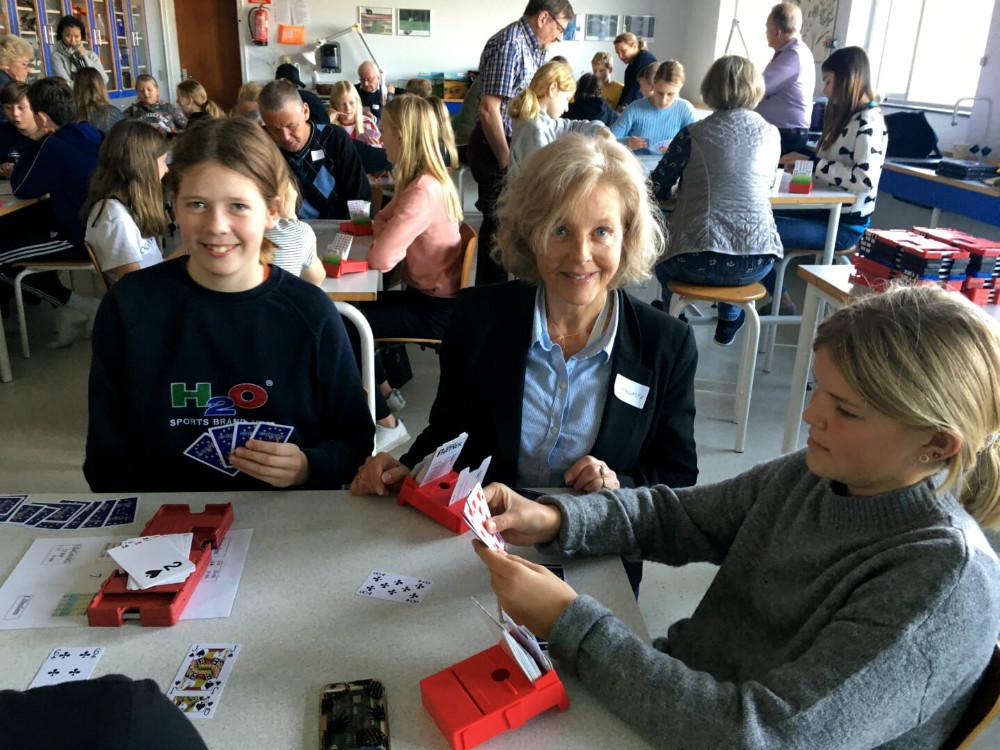 Raklev Skolehar indgået samarbejde med Kalundborg Bridgeklub. Privatfoto.