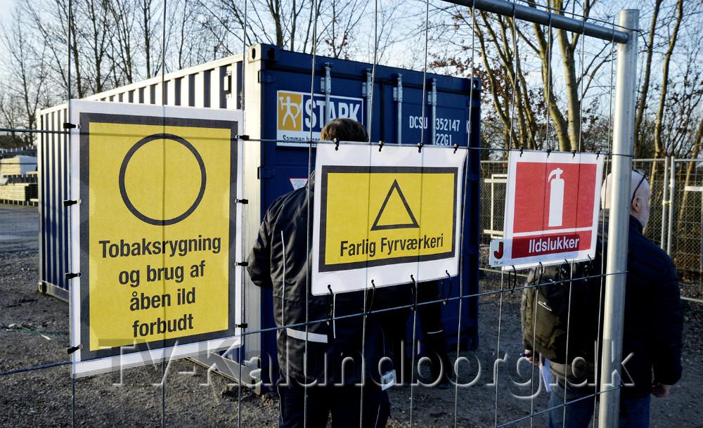 Der er skrappe regler for hvordan fyrværkeri skal opbevares, her hos Stark på Nørre Alle. Foto: Jens Nielsen