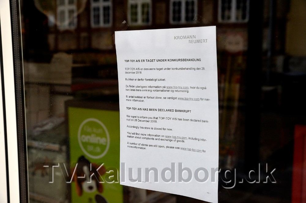 Kunderne bliver mødt af denne seddel i døren. Foto:  Jens Nielsen