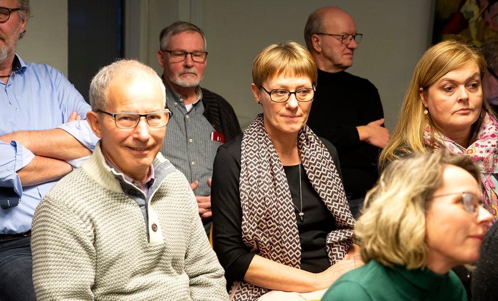 Anne Overgaard (i midten) talskvinde for borgruppen, er ærgerlig over at borgerne ikke er blevet hørt. Foto: Jens Nielsen