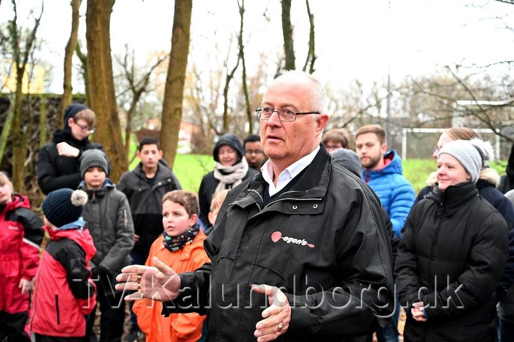 Chauffør og tillidsmand hos Egons Busser, Bent Sørensen, indviede den nye forhindringsbane. Foto: Jens Nielsen