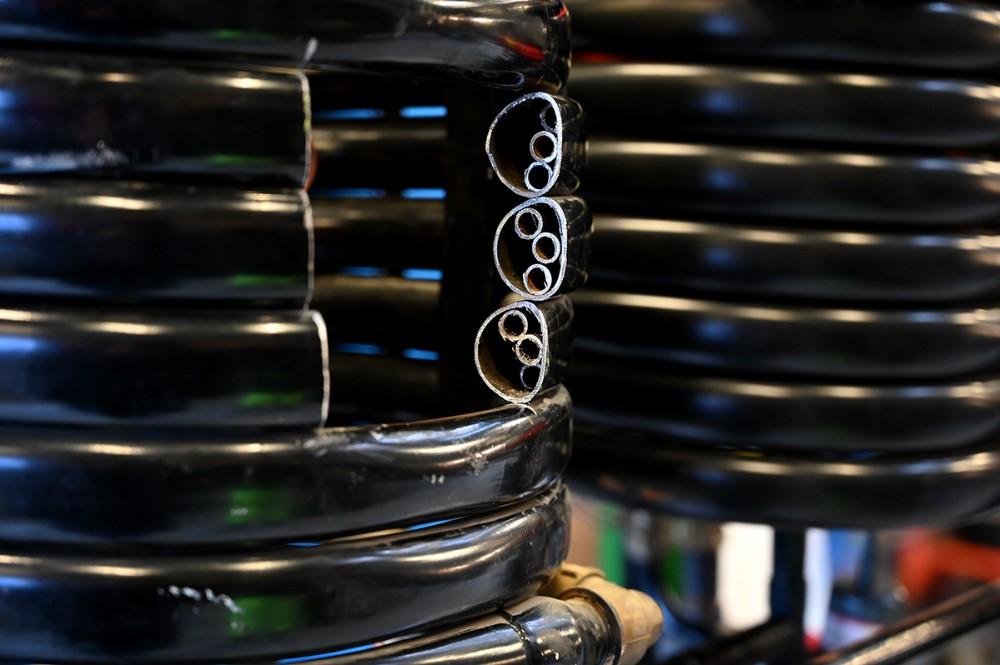 En varmeveksler er skåret over så forbrugerne kan se hvordan sådan en ser ud indeni. Foto: Jens Nielsen