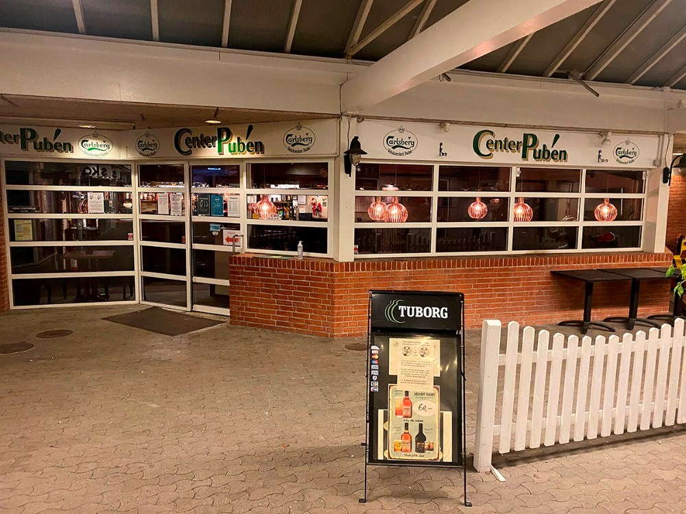 Center Pubben i Høng havde tændt lyset fredag aften. Privatfoto