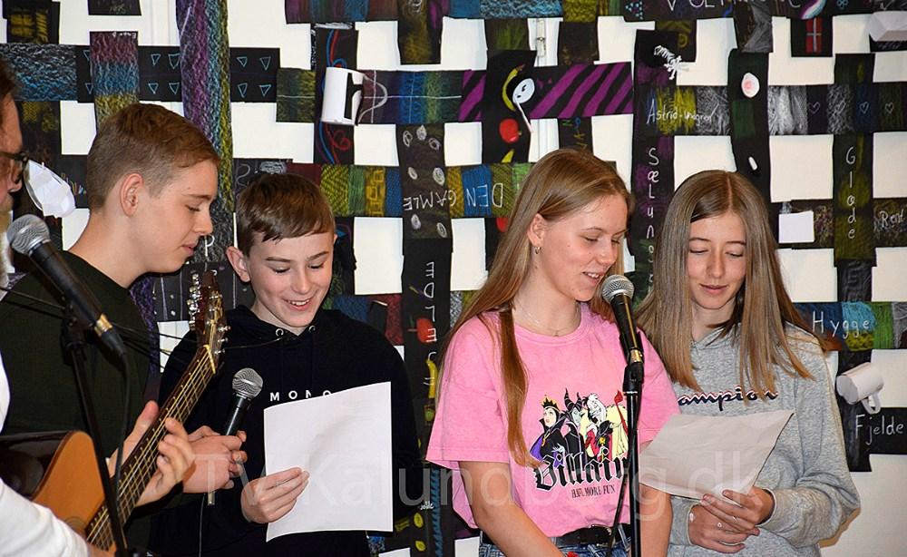 Fire multikunstnerehar i anledning af Nordisk Kulturfestival i Kalundborg besøgt Kalundborg Friskole med kunstprojektet
