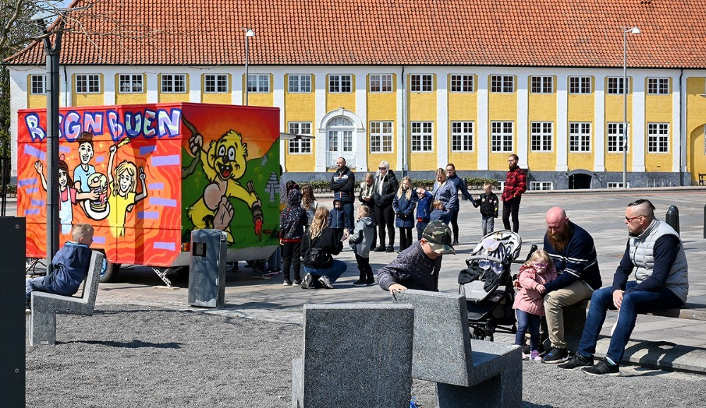 Der var masser af liv på Klostertorvet fredag eftermiddag. Foto: Jens Nielsen