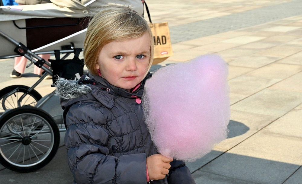 Gratis candyfloss til børnene hele fredagen. Foto: Jens Nielsen