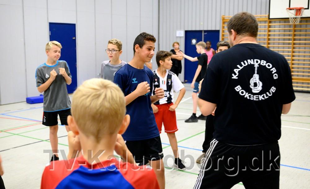 Bokseklubben gav information. Foto: Jens Nielsen