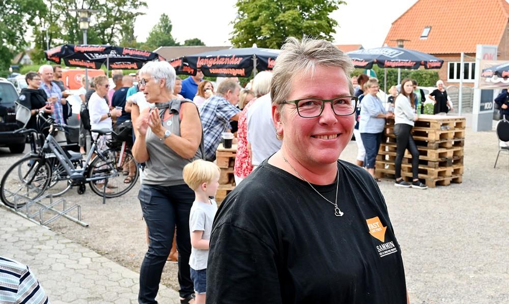Kirsten Halskov Andersen arrangerede for niende gang grillfest for kunderne. Foto: Jens Nielsen