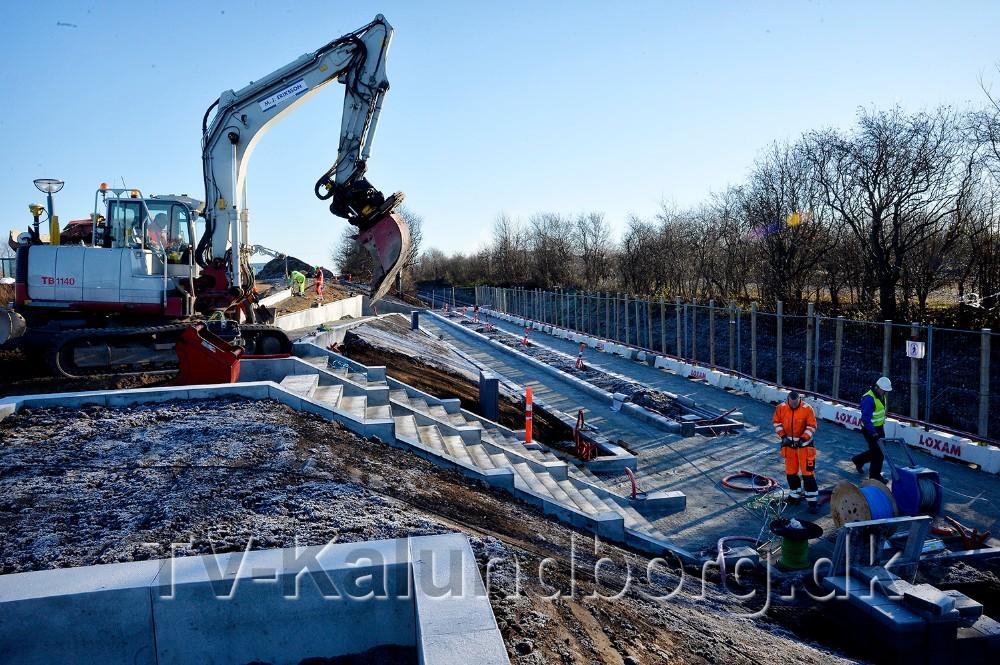 Entreprenørerne arbejder på højtryk for at blive færdig til åbningen d. 8. december. Foto: Jens Nielsen