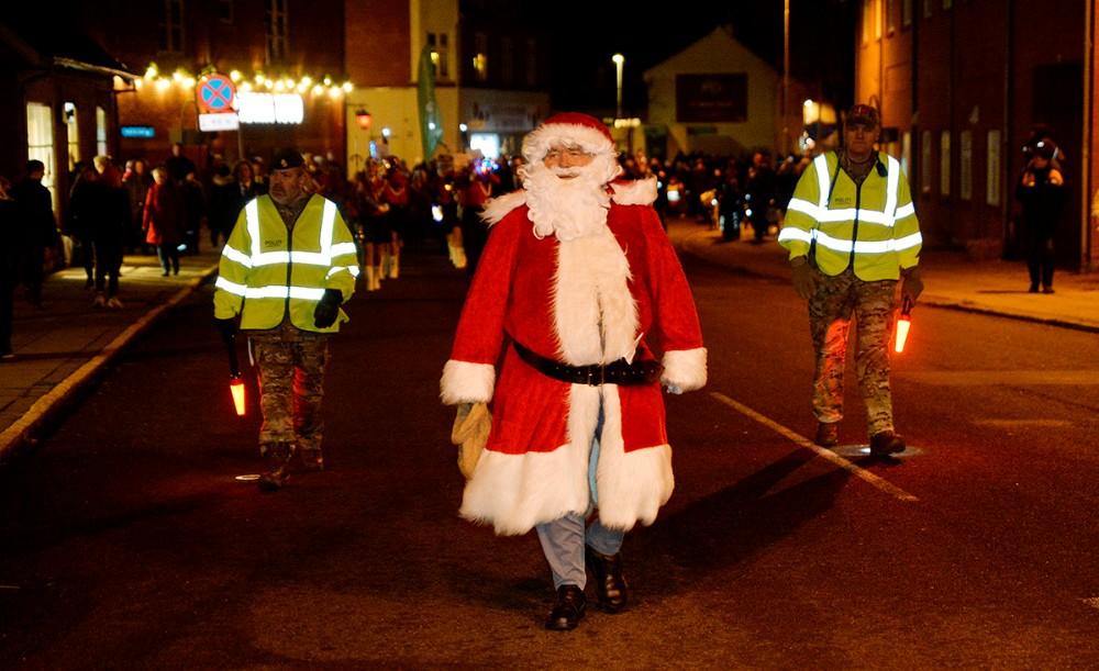 Julemanden gik i spidsen for det store optog. Foto: Jens Nielsen