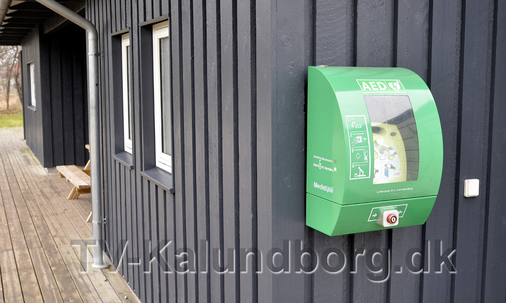 Hjertestarter ved klubhset hos 5 Tårns Motion i Lundemarken. Foto: Jens Nielsen