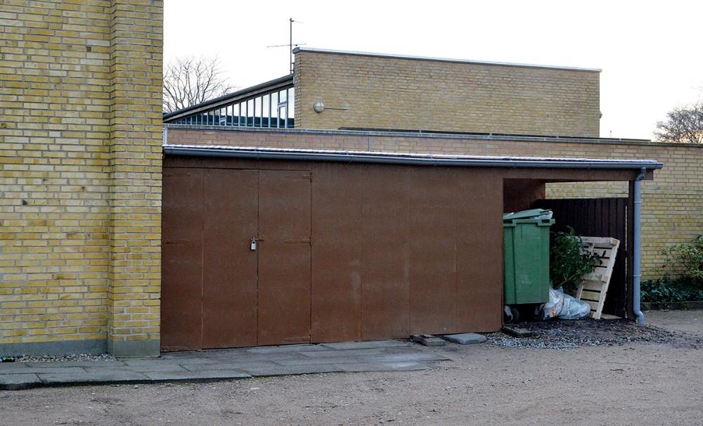 Skuret som er opført ved Nyvangskirken er ikke godkendt af Kalundborg Kommune. Foto: Jens Nielsen