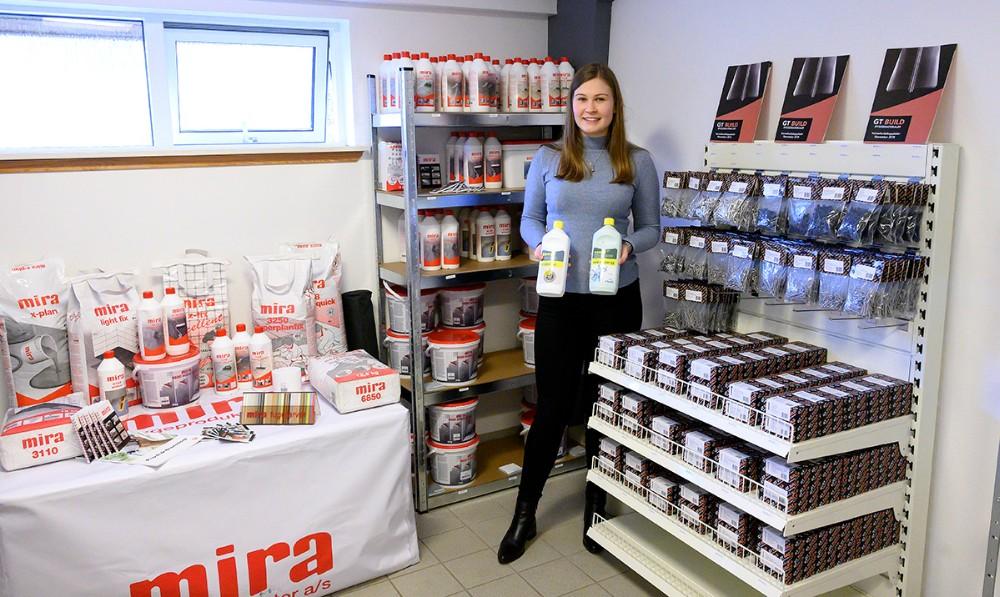 Victoria Grønsedt, indehaver afFixdithus.dk, i den nyindrettede butik på Stejlhøj. Foto: Jens Nielsen