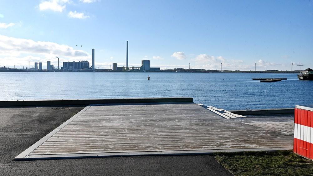 Lige her skal den nye Skibbro gå 65 meter ud i vandet. Foto: Jens Nielsen
