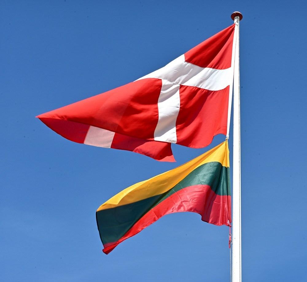 Både det danske og det litauiske flag var hejst i flagstangen. Foto: Jens Nielsen