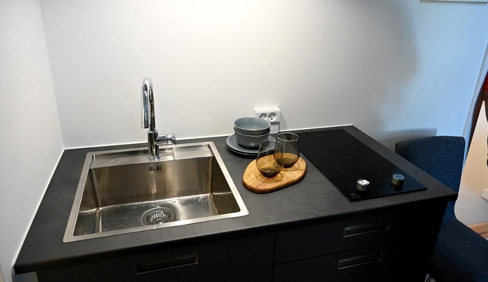 Der er et lille køkken i alle værelser. Foto: Jens Nielsen