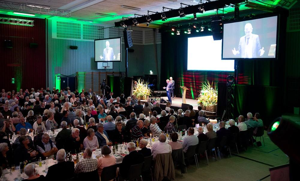 Sparekassen Sjælland-Fyn samlede 468 aktionærer i Kalundborghallen til dialogmøde. Foto: Jens Nielsen